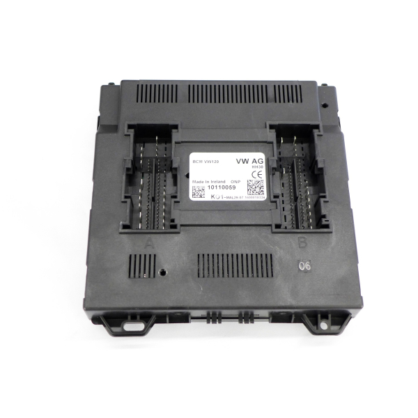 VW T5 Facelift central electrics / on-board power supply control unit / BCM Highline 7E0 937 090 Z29