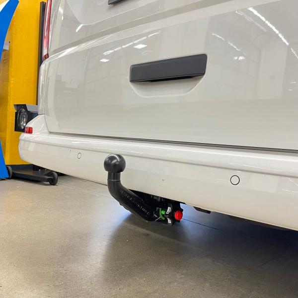 7 pol E-satz T6 Bus Kasten Multivan ab 2009 Anhängekupplung NEU starr VW T5